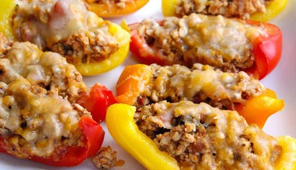 Skinny Bell Pepper Nacho Boats - Check these amazing Keto dinner recipes and you will never feel like you are on a diet! Ketogenic diet and Keto meal plans can be tasty!
