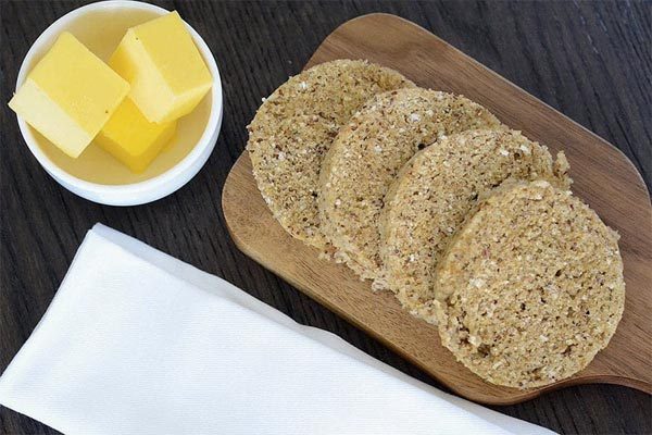 Try these best Keto bread recipes to keep your Ketosis and eat products you are used to. These easy and quick low carb bread recipes are ideal for Ketogenic diet and will help you stay in Ketosis without restricting your favorite food. #keto #ketorecipes #bread #lowcarb #lowcarbdiet #weightloss #weightwatchers #recipes #food