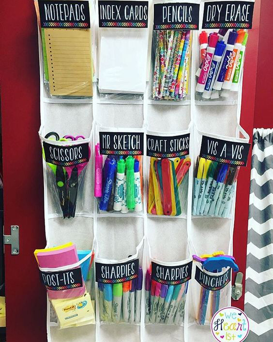Back to school DIY ideas. Getting closer to the beginning of the school year, I gathered here the best back to school DIY ideas and projects. They will definitely help put you organize your entire family and get ready for the back to school time!