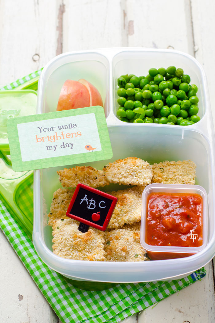 If your kids are sick and tired of sandwiches and chips in their school lunch boxes, and the very thought of having to come up with something for a school lunch makes you panic, exhale and relax! You will definitely like our ideas of delicious, healthy, bright and creative lunch!