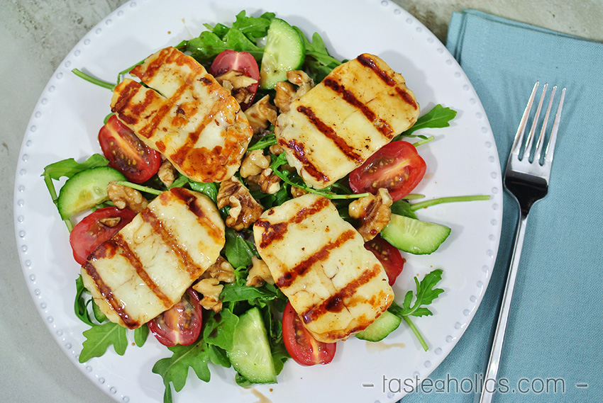 Keto Vegetarian Grilled Halloumi Salad. What can you do if you need something ketogenic and vegetarian at the same time? You need vegetarian Keto recipes that I collected in this post! Low carb vegetables with high protein and healthy fats will be a great alternative for people who avoid meat, eggs, and dairy. Some recipes are Vegan Keto options as well.