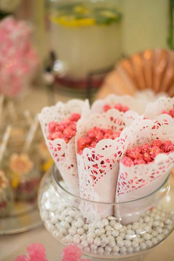 30 Baby Shower Ideas For Food & Drinks - Baby Shower Checklist [2018]. Are you looking for some the best baby shower ideas for food and drinks - you are in the right page! Also get a baby shower checklist so you can plan it! #baby #babyshowerfood #food #party #drinks #foodideas
